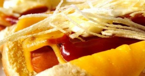 SUPER HOT DOGS CON SALSA DE TOMATE