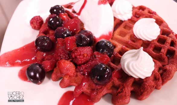 WAFLES RED VELVET  (DULCE)